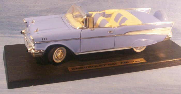 Diecast Replica of 1957 Chevrolet Bel Air Convertible, Item # 09-001014060004