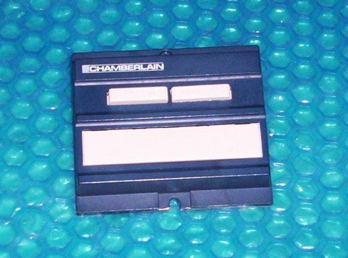 CHAMBERLAIN garage door opener Wall Control       (633)