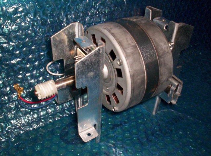LIFTMASTER  SECURITY+   opener MOTOR 41D4759 (120)