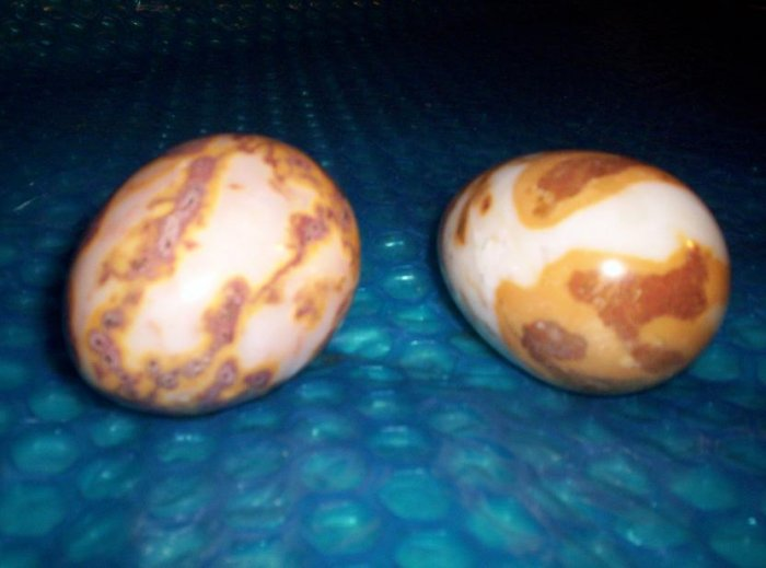 DECORATIVE MARBLE  EGGS             stk#(393)