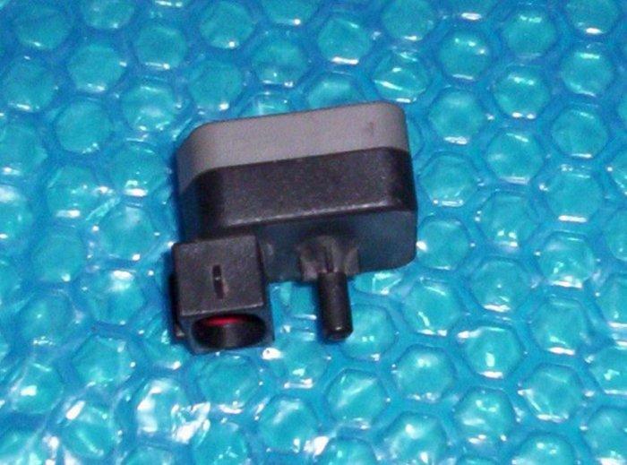 Ford Tempo 1994 DPFE EGR Pressure Sensor  F2AE-9J460-AB (882)