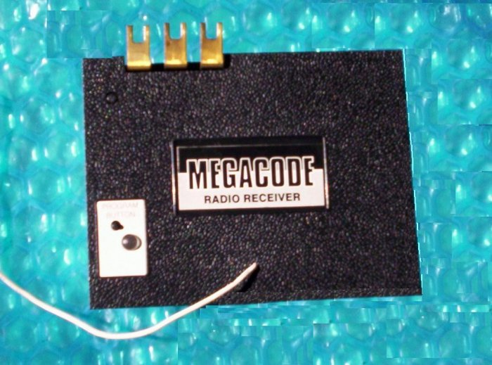 MOORE-O-MATIC garage opener MEGACODE RECIEVER    DNR00068  stk#(468)