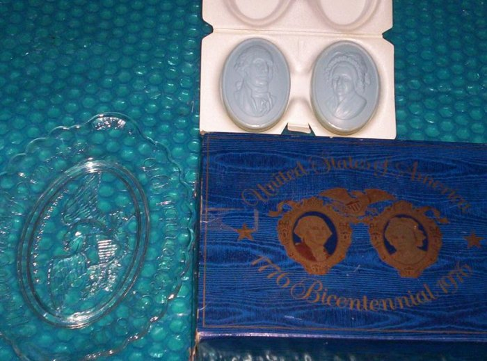 Avon 1776 Bicentennial 1976 plate    stk#(772)