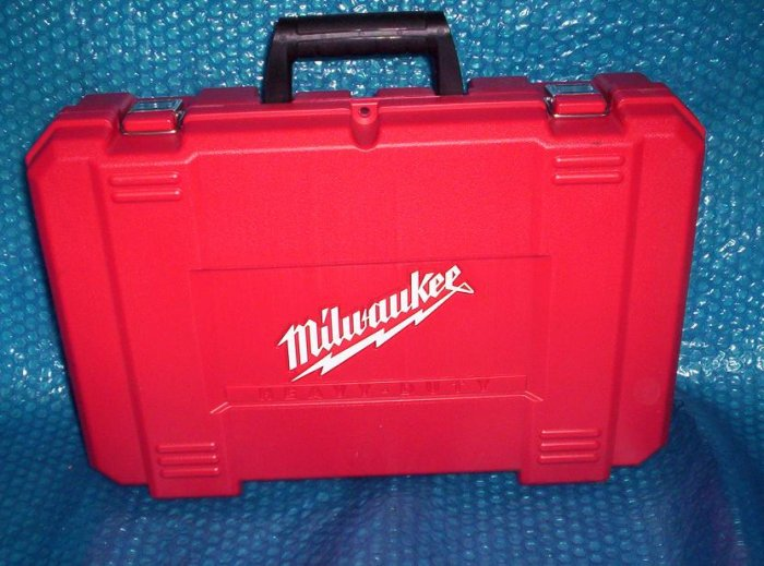 MILWAUKEE  TOOL  CASE 0724-24      (933)