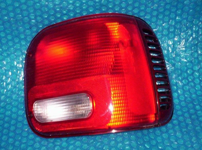 1994 Dodge Van 1500 Rear Tail Light  RH  11-5347-01       stk#(961)