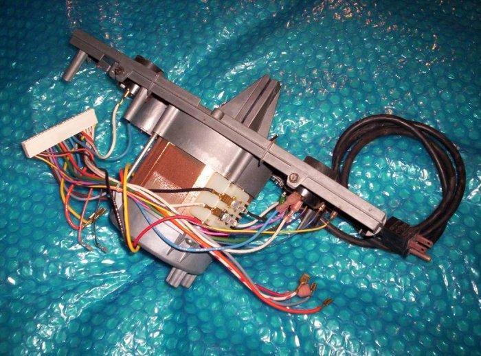 GENIE  PRO98  SCREW/DRIVE opener  motor           (364)
