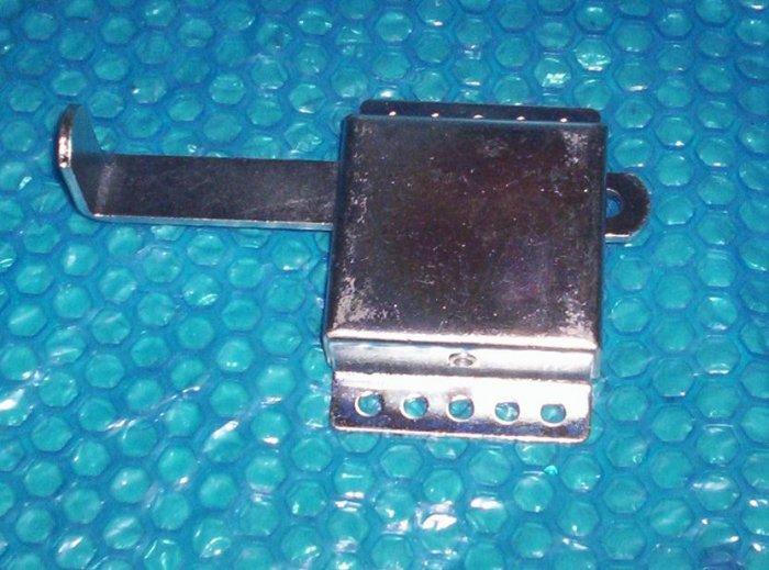 GARAGE  DOOR  SLIDE  LOCK                (220)