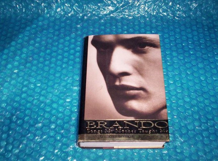 BRANDO  Songs My Mother Taught Me  0-679-41013-9        stk(1030)