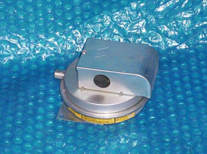 Heating  control vacume switch FP5047-26 (1089)