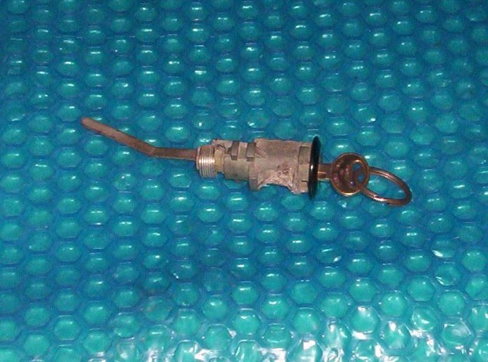 Ford Tempo 1994  TRUNK lock cylinder   ( R83)
