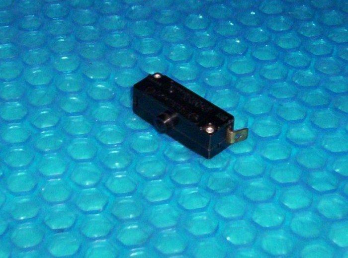 Raynor Door Operator Reverse Switch   #  A331A-Y   stk#(1246)