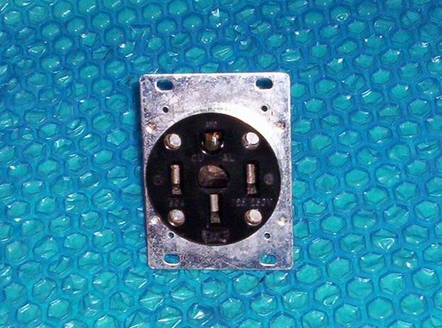EAGLE CU/AL 14-50R 50A-125/250V 4WIRE RECEPTACLE stk#(1858)