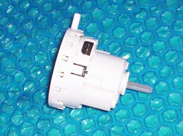 Sears/Kenmore Washer Water level pressure switch p/n: 3366846  stk#(907)