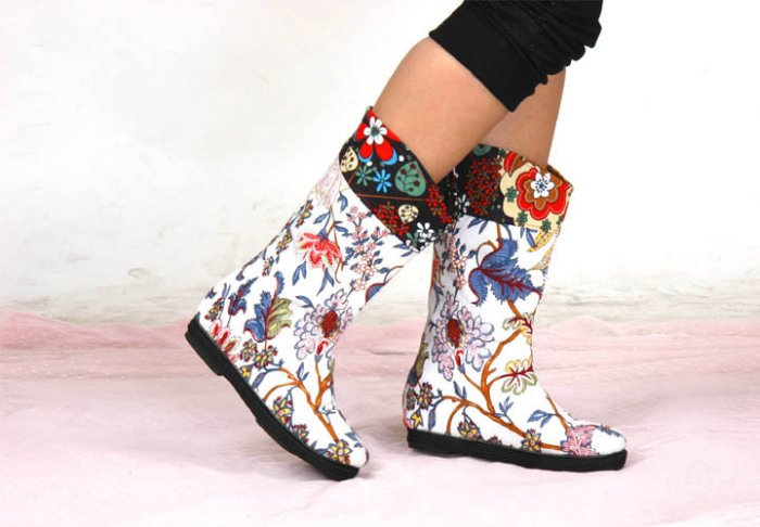 Hand made fabric shoes - white and Floral