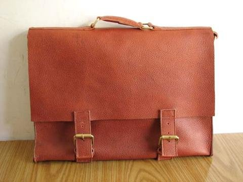 Thick but soft genuine leather formal style suitcase