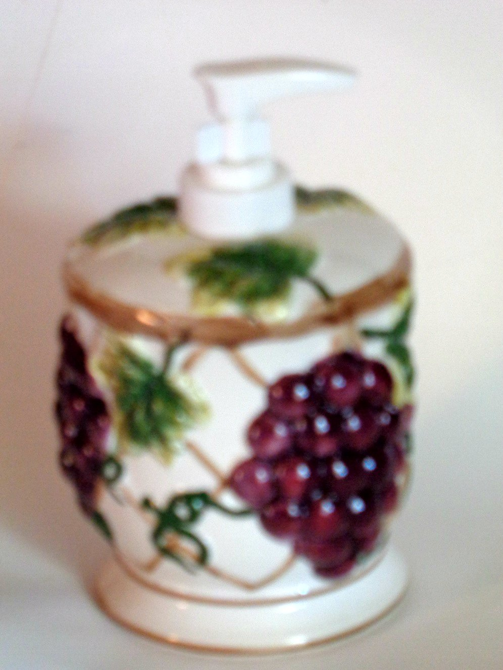 Ceramic Grapes Grape Leaves Lotion Pump Soap Dispenser and Toothpick Holder