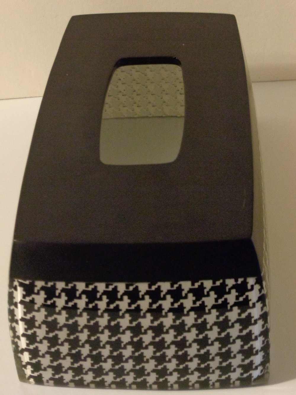 Houndstooth Tissue Box Cover