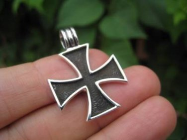 925 Silver  Knight Knights Cross Iron Cross  Templar pendant  Necklace A2