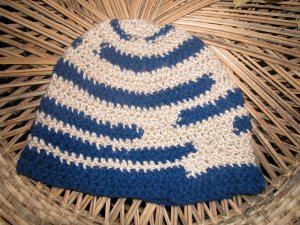 single crochet blue striped toboggan