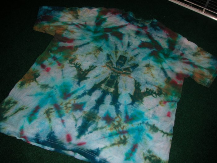 Abstract totem-pole tye-dye