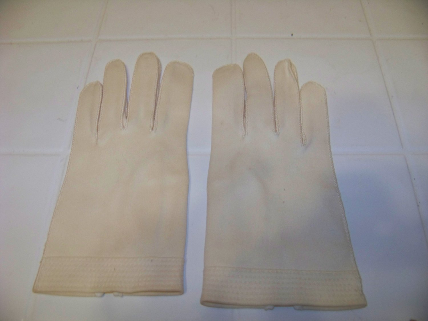 vintage off white wear right gloves size 6 1/2