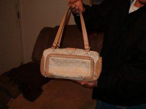 Liz Claiborne Purse/Handbag