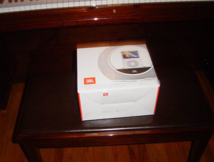 New JBL - Radial Micro - Docking Speaker for iPod White
