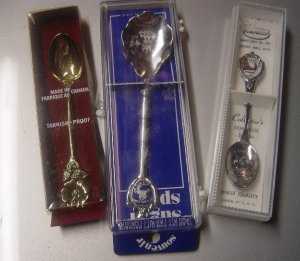 3 BEAUTIFUL COLLECTIBLE SOUVENIR SPOONS