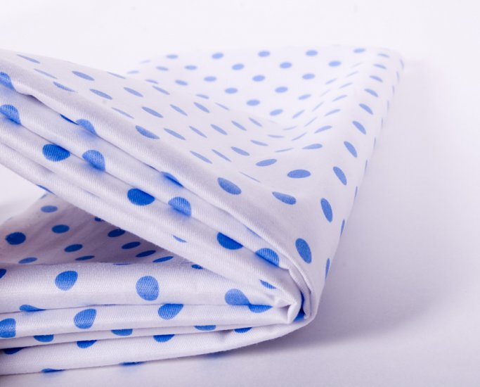 7mm blue dots in white//cotton