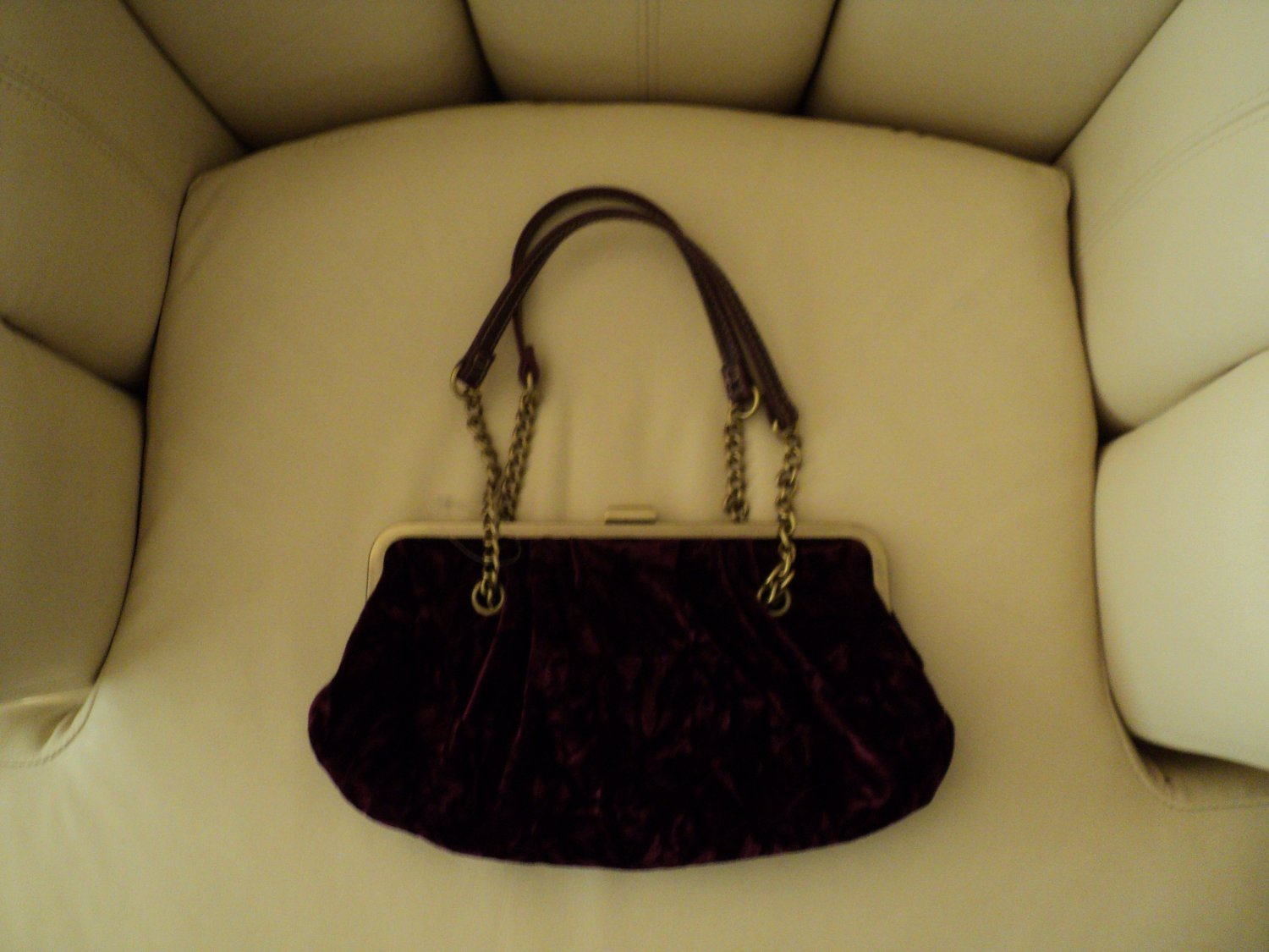 NWOT RED Burgundy VELVET HANDBAG Purse Pocketbook Womens Medium Size Gold Tone Hardware