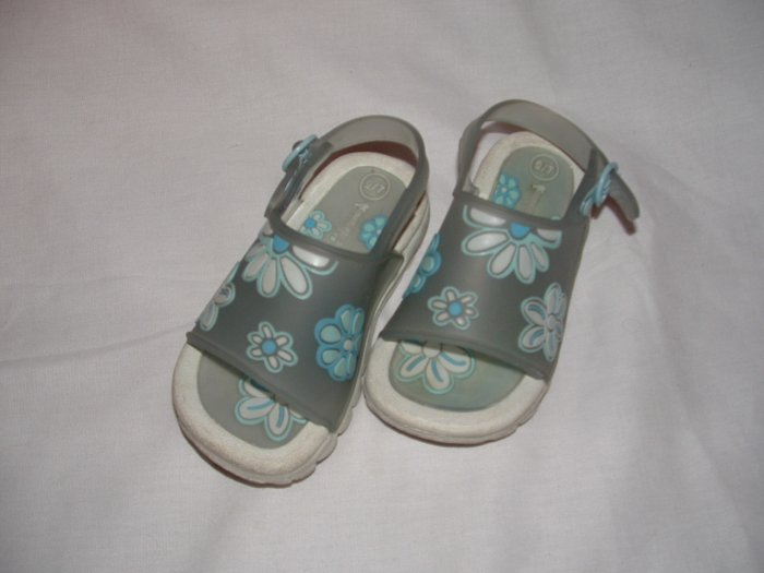 Toddler Girls MONTEGO BAY Sandels Size 6/7 EUC