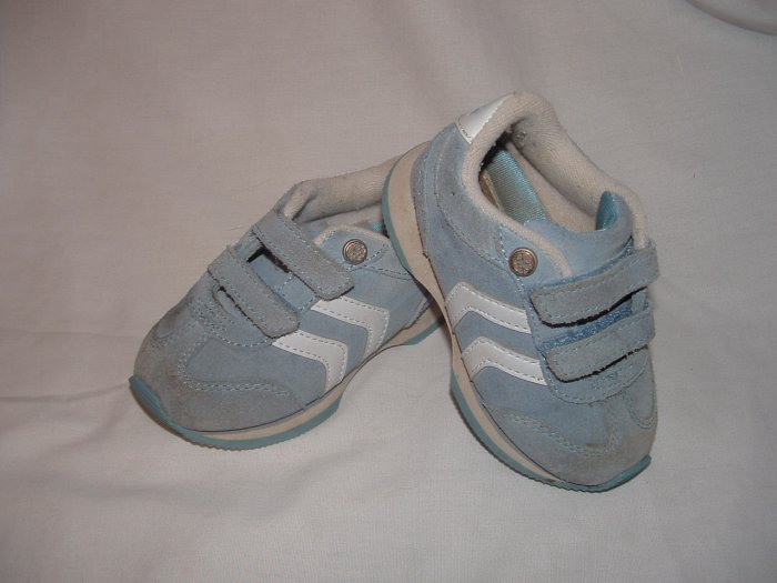 EUC Toddler Girls OSHKOSH Suede Tennis Shoes Sz 6 BTS