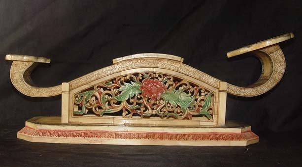 Old Bone Art Handicraft Flwoer Design Ruyi Decoration