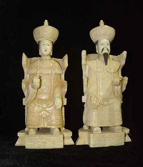 Exquisite Bone Art Handicraft Chinese Sitting emperor queen Figure