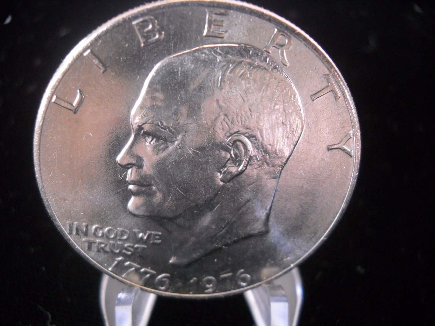 1976-P Eisenhower Brilliant UN-Circualted Dollar.