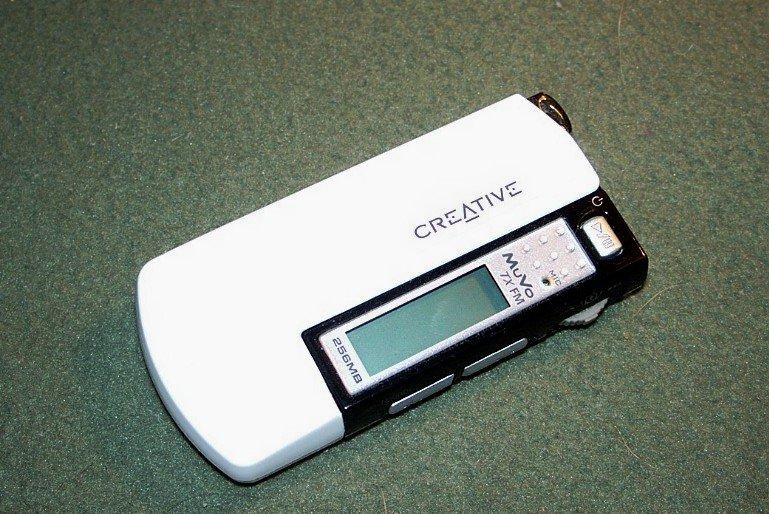 Creative MuVo TX FM 256MB MP3 Player FM Radio Voice Recorder Flash Drive