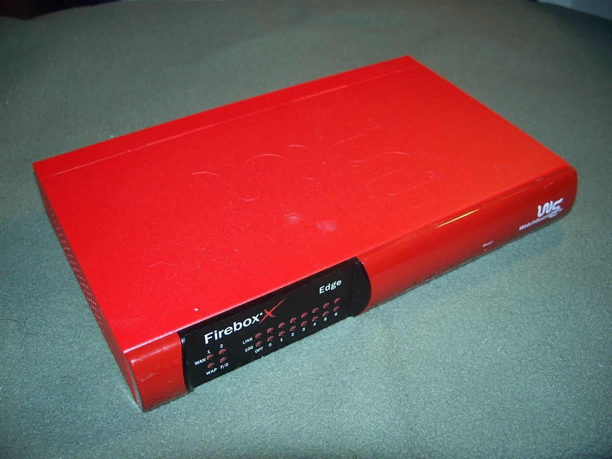 WatchGuard Firebox X15 Edge MF 16S32E10 CENTRAL OFFICE NETWORK PROTECTOR RETAIL $700.00