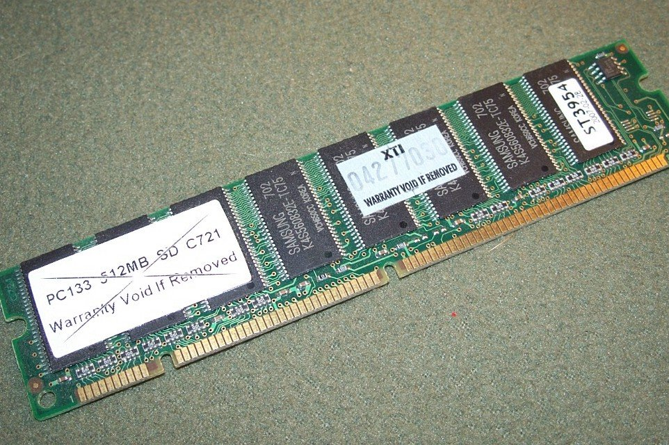 SAMSUNG 512MB PC133 SD C721 ST3954 MEMORY MODULE STICK