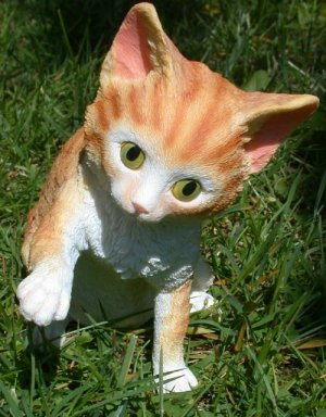 """Bi-Color Cat Yellow and White Figurine 5 7/8"""" Tall"""