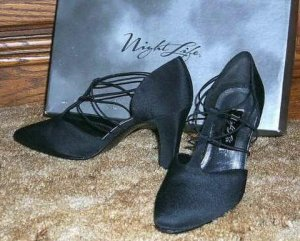 Night Life Cross Strap High Heel Pumps size 7-1/2 Medium
