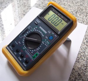Digital Multimeter DMM Capacitor Tester Type K Thermocouple Ammeter Volt Amp Meter