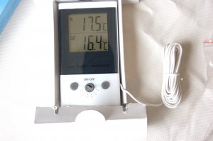 Indoor/outdoor Dual Temperature Display Digital Thermometer Model DT1C