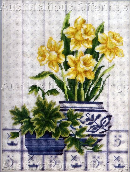 RARE JOAN MARCHIE SPRING FLORAL STILL LIFE NEEDLEPOINT KIT BLUE WHITE CACHEPOT DAFFODILS