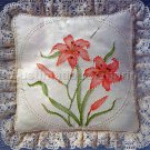 Rare Jean Fox Candlewicking Crewel Embroidery Floral Pillow Kit Day Lily