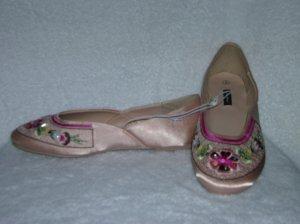 Xhilaration Nala Women's Pink Slipons Size 5