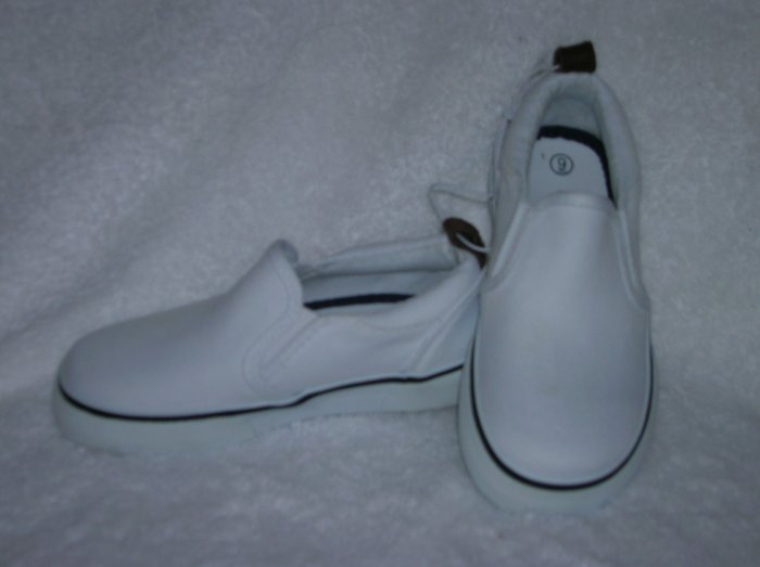 Circo Lois Girls White Slipons Size 9