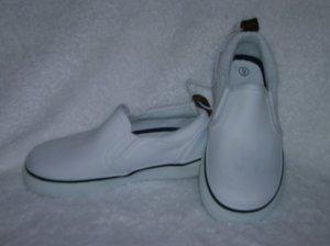 Circo Lois Girls White Slipons Size 9