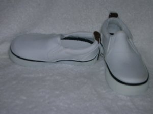 Circo Lois Girls White Slipons Size 8