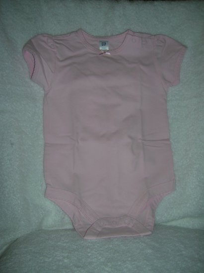 Gap Short-sleeve romper scal/babe pink/6-12 M