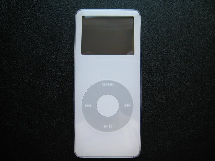 Apple iPod Nano White 4GB MP3 Digital Music & Photo Player MA005LL/A